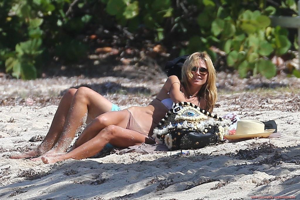 heidi-klum-and-boyfriend-vito-schnabel-enjoys-at-the-beach-in-st-barts-26